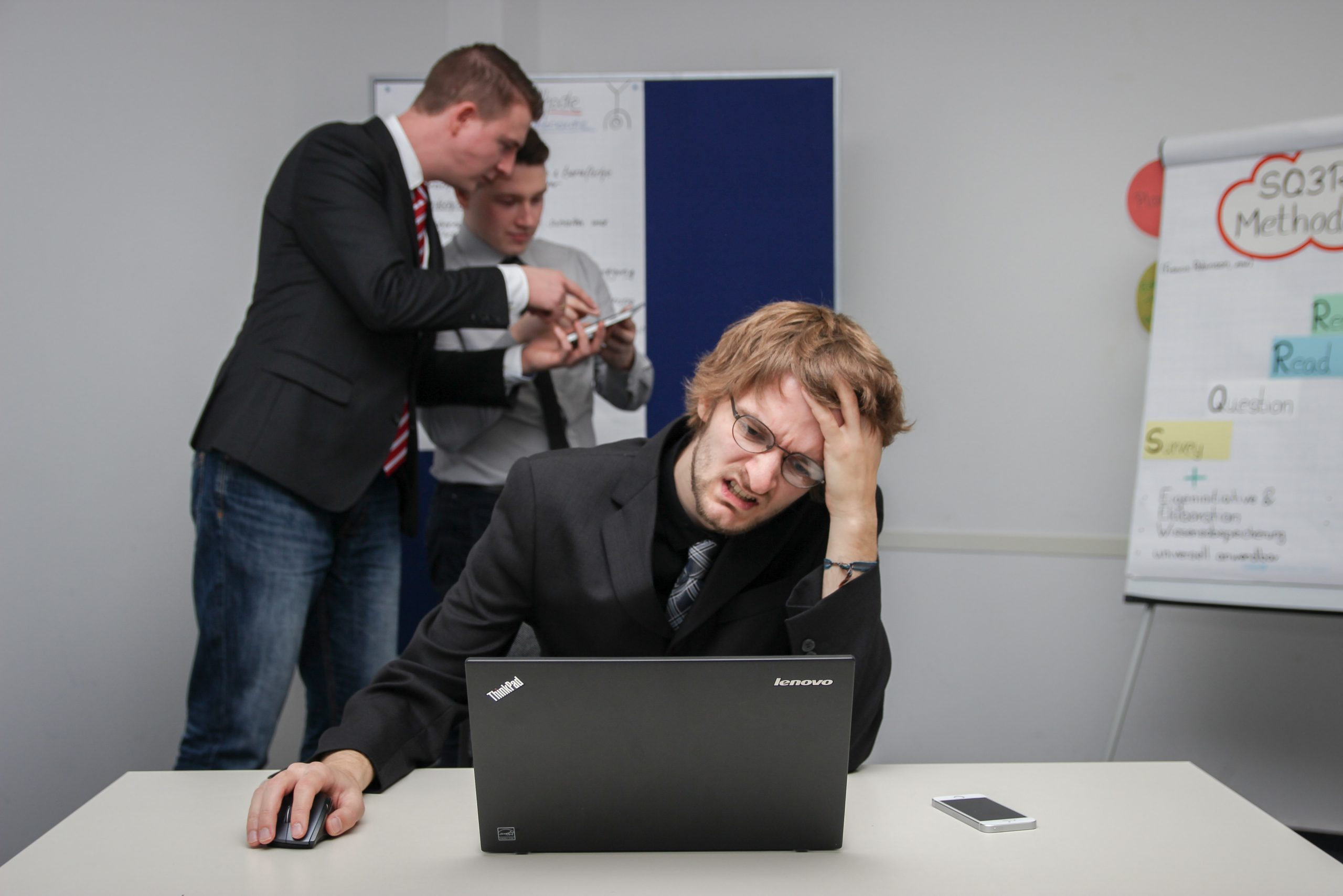 How to Reduce Employee Burnout at Workplace: 6 Easy solutions